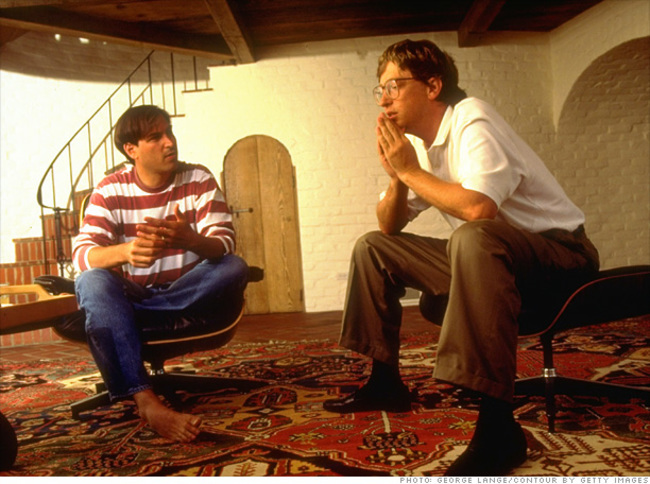 39-steve-jobs-sitting-with-bill-gates-discussing-the-future-of-computing-in-1991