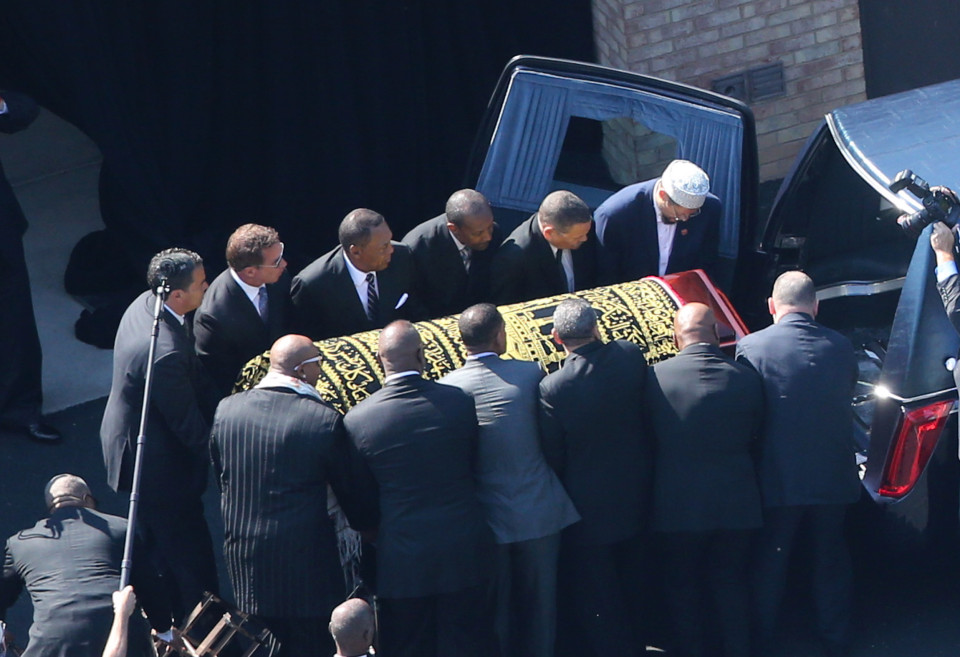 Muhammad Ali Funeral - Pool bearers including Will smith and Lenox Lewis lift Muhammad Ali