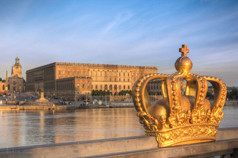 800px-Stockholm_Castle_and_crown