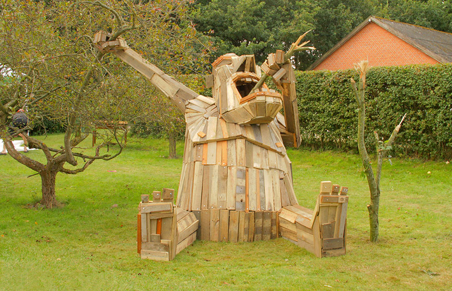 I Create Giant Sculptures From Scrap Wood