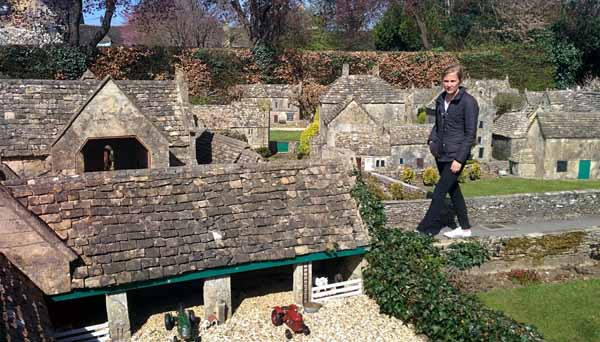 Bourton-on-the-Water-3
