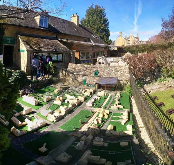 Bourton-on-the-Water-5
