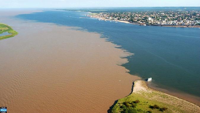 Sông Rio Negro và sông Solimoe ở Brazil. (Ảnh: Internet)