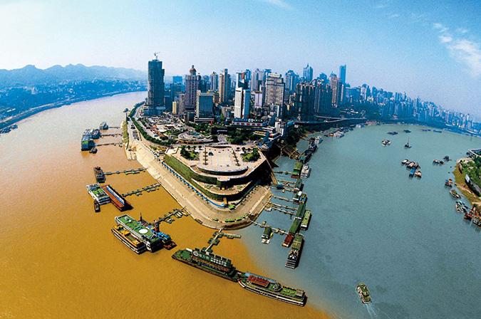 Sông Gia Lăng và sông Trường Giang ở Trùng Khánh, Trung Quốc. (Ảnh: Internet)