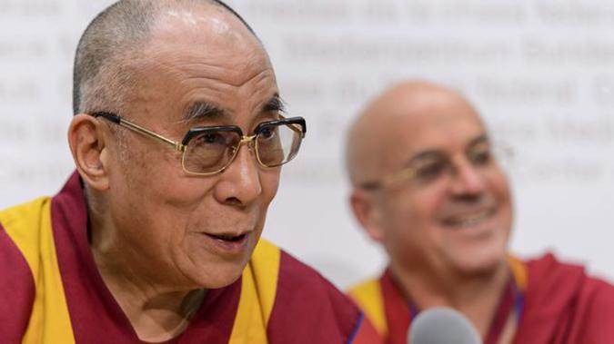 Dalai Latma và Ricard Matthieu. (Ảnh: Internet)
