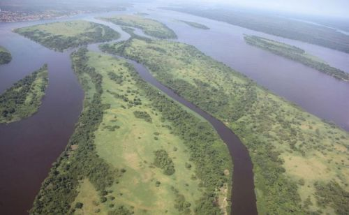 File source: https://commons.wikimedia.org/wiki/File:Aerial_view_of_the_Congo_River_near_Kisangani.jpg