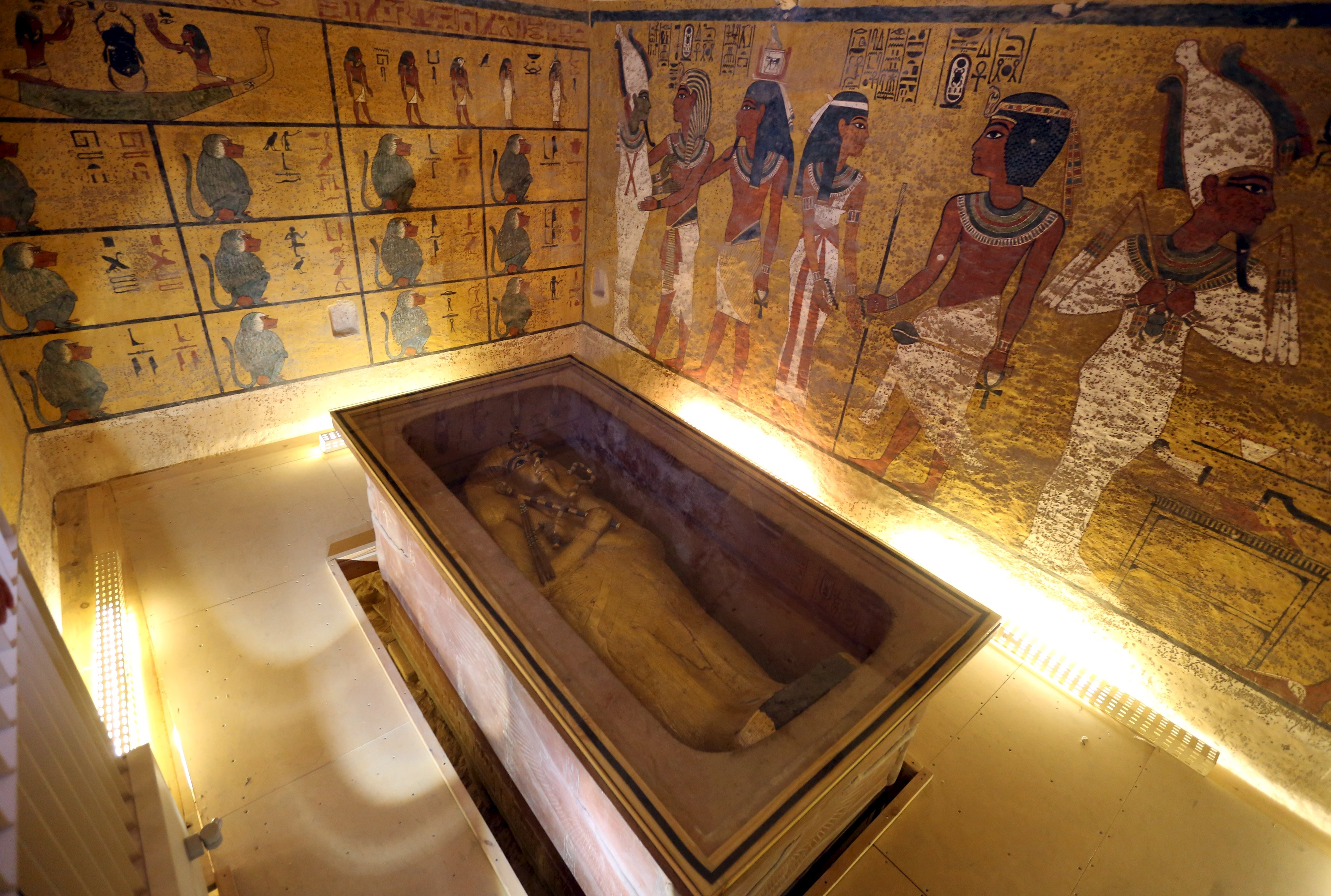The golden sarcophagus of King Tutankhamun in his burial chamber is seen in the Valley of the Kings, in Luxor, Egypt, November 28, 2015. Chances are high that the tomb of Ancient Egypt's boy-king Tutankhamun has passages to a hidden chamber, which may be the last resting place of Queen Nefertiti, and new evidence from the site will go to Japan for analysis, experts said on Saturday. REUTERS/Mohamed Abd El Ghany