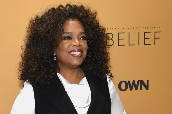 """Oprah Winfrey at the """"'Belief"""" New York premiere on Oct. 14, 2015. (Jamie McCarthy/Getty Images) Oprah Winfrey trong buổi công chiếu loạt phim tài liệu """"Belief"""" ở New York vào ngày 14/10/2015. (Ảnh: Jamie McCarthy/Getty Images)"""