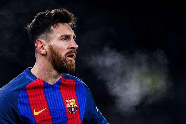 Messi nhường 15 quả penalty: Kẻ cho đi là kẻ mạnh - Ảnh 2.