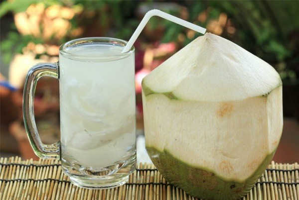 http://www.dkn.tv/wp-content/uploads/2017/10/coconut-water-1.jpg
