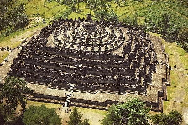 Đầu năm hành hương đến những ngôi chùa nổi tiếng ở Đông Nam Á