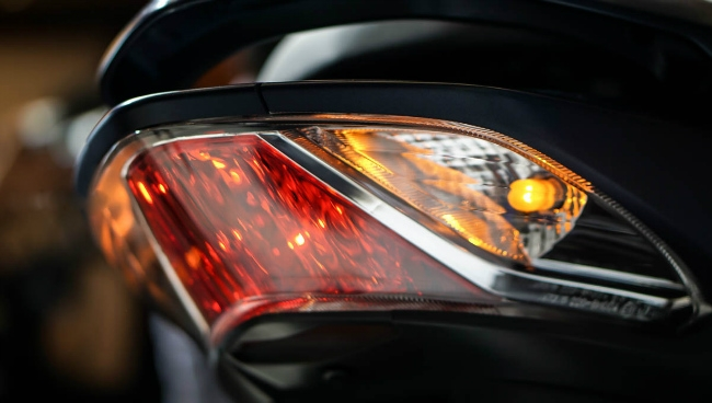 Yamaha Lexi 125 hơn 30 triệu đồng, đối thủ nặng ký của Honda PCX