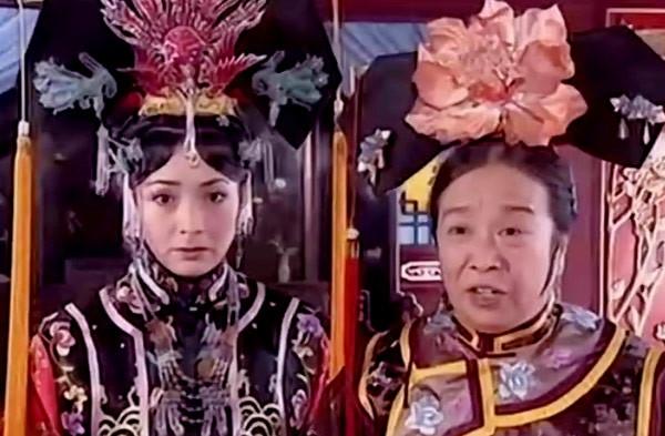 20 năm trôi qua, hai 'ác nữ' trong 'Hoàn Châu Cách Cách' giờ ra sao?