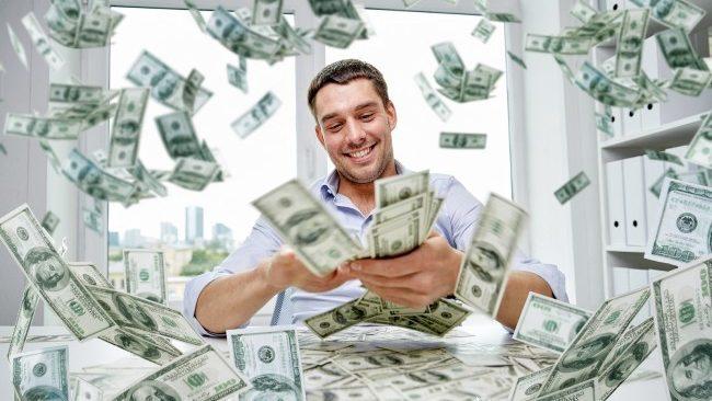 Cứ hai ngày thế giới lại sản sinh thêm 1 tỷ phú đô la mới