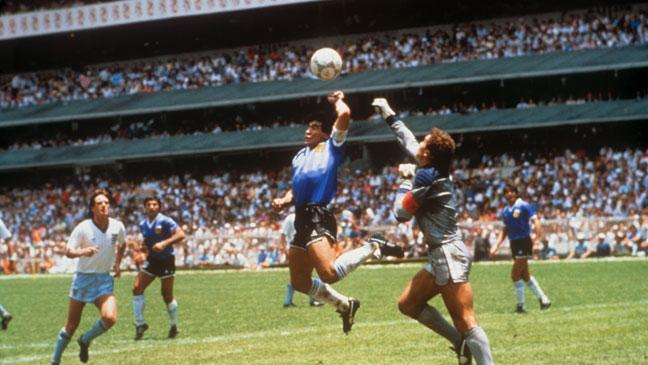 diego-maradona-scores-against-england-in-the-world-cup-quarter-final---with-his-hand-136398776754903901-150619172459