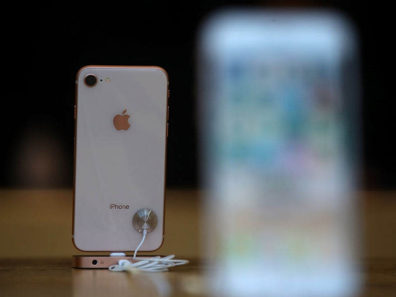 6 ly do ban nen mua iphone 8 thoi diem nay thay vi mua iphone xs moi nhat