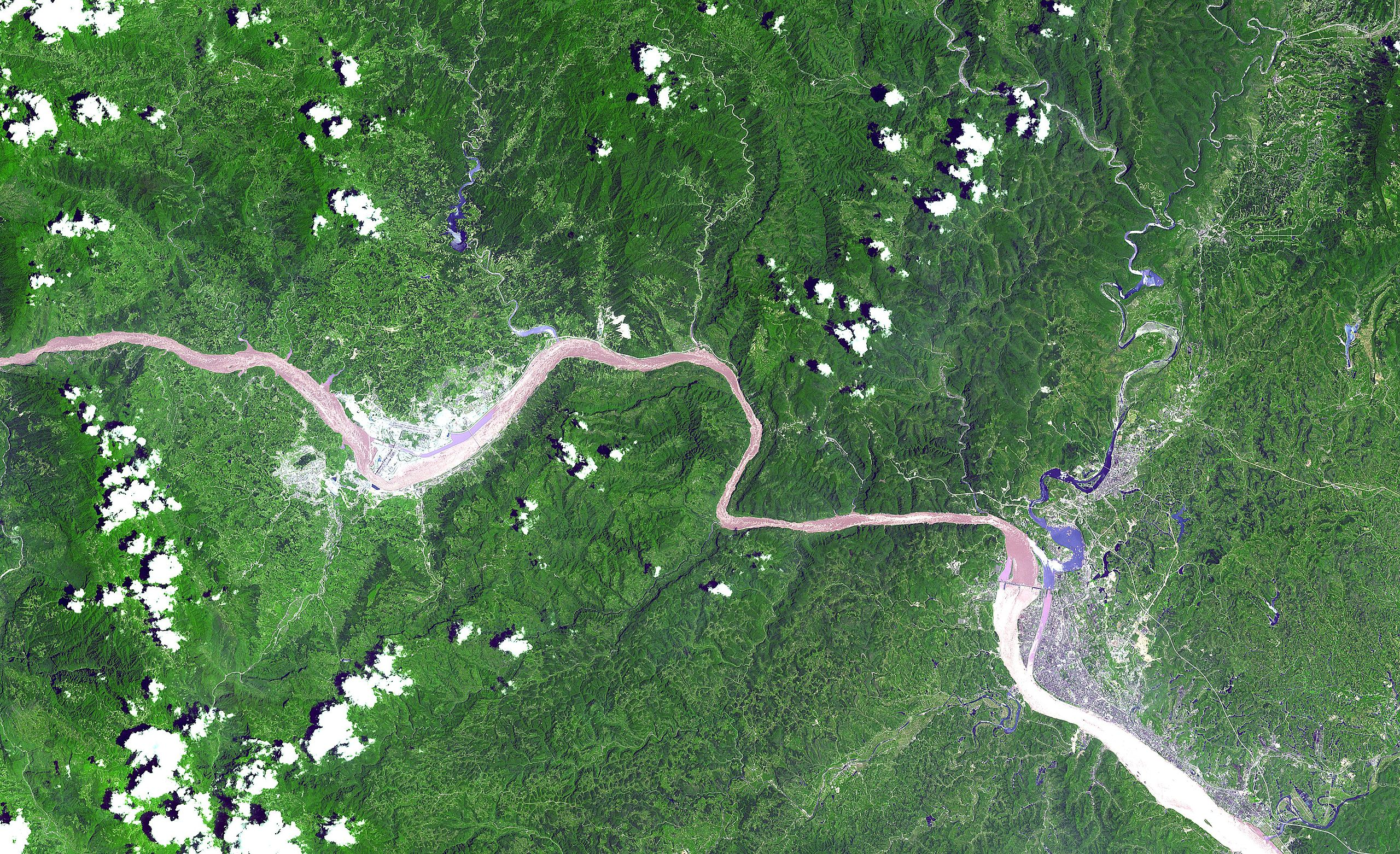 2560px-three_gorges_dam_from_space
