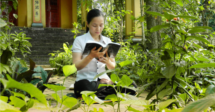 Phong thủy gia đình: Người phụ nữ tu dưỡng bản thân, phúc báo 3 thế hệ