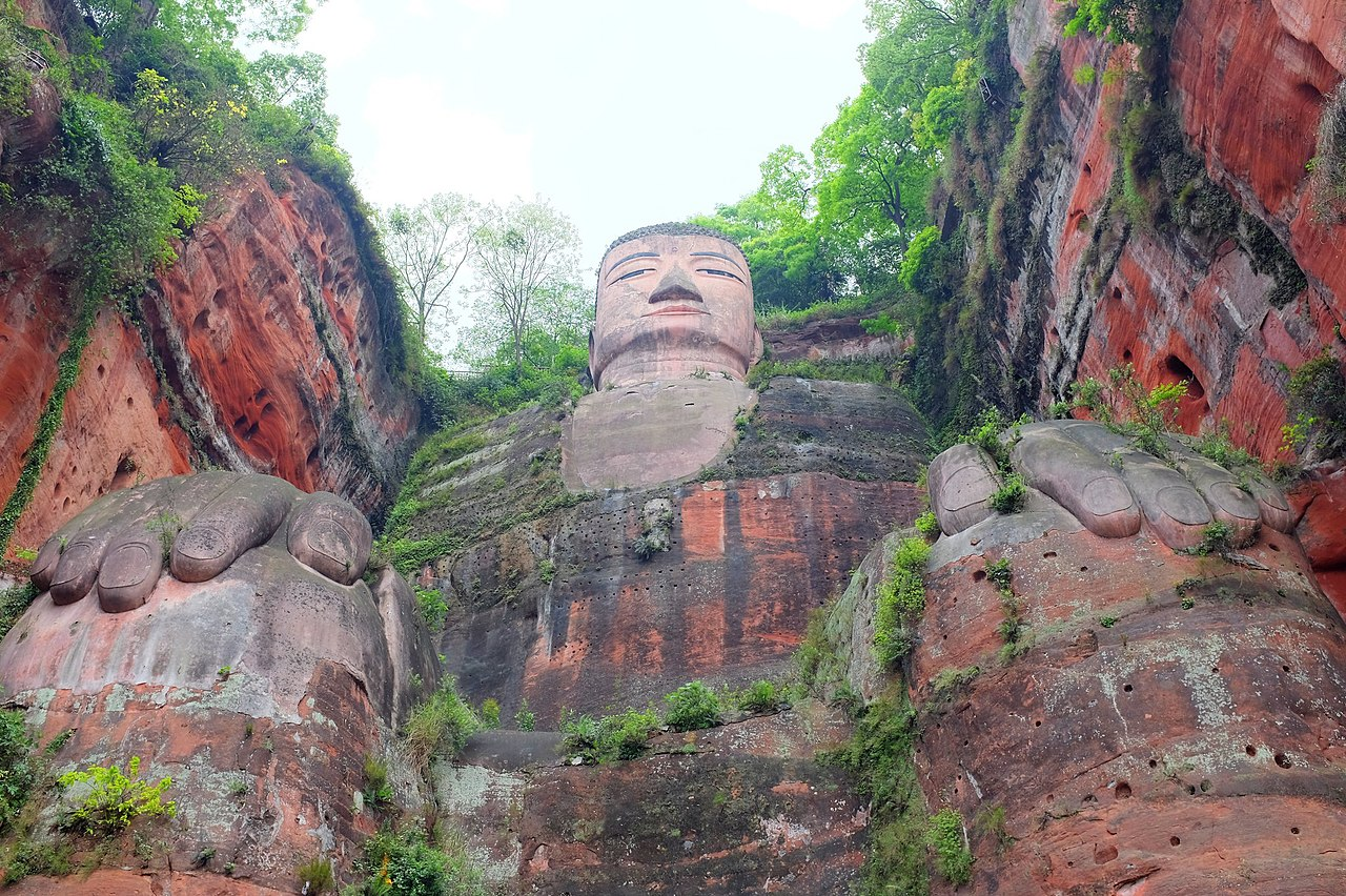 1280px-leshan_giant_buddha_view_from_below